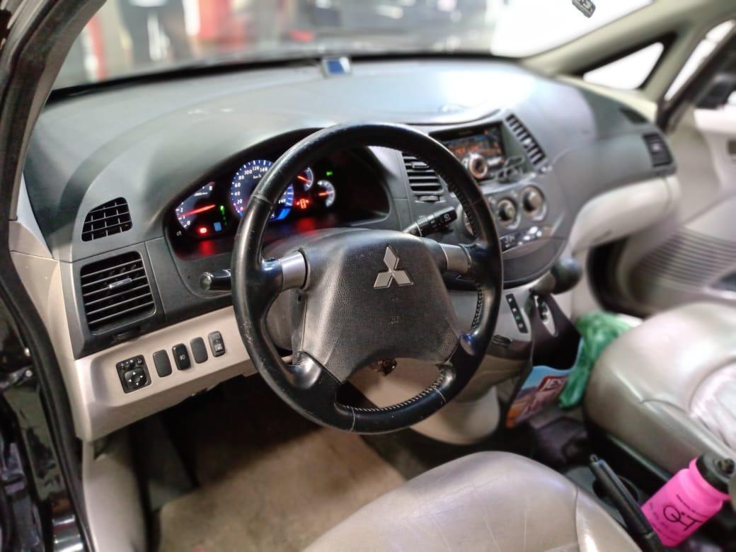 Mitsubishi Grandis Blindado